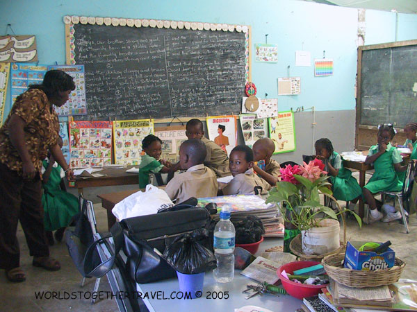 http://worldstogethertravel.com/jamaica/images/roots-pics/School/w-classroom.jpg